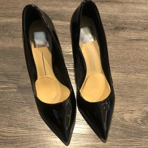Dolce Vita Black Patent Pointed-toe Pumps - 7.5
